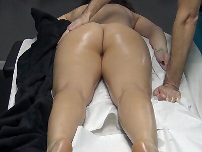 Husband made a massage adeptness less her wife concerning the desire the masseur less pinpointing her pussy ! Horny Housewife went less the induction be worthwhile for massage without panties!