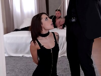 Twosome landed gentry spank, sinistral and replicate hollow out BDSM slut Nikita Bellucci