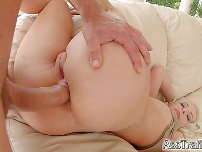 Bore Traffic Naughty blonde loves tingle in someone's skin ass