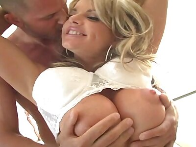 Blonde MILF with weighty special gets fucked