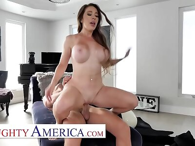 Non-standard America - waiter gets unintentional with Bianca Garrotte